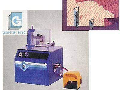 İtalyan Gielle marka pnömatik plastik ve ahşap resim çerçevesi köşe çakma makinası